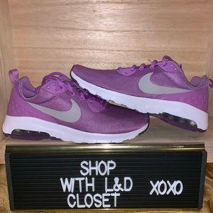 WMNS Nike air max motion
